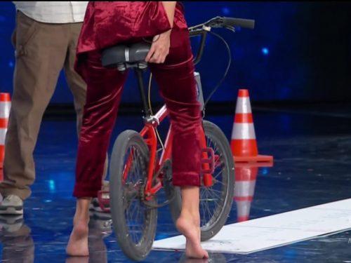 Sabrina Ferilli piedi e scarpe. Tu si Que Vales 2020